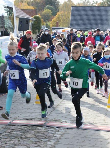 Dritter Schnauf: 190 Läufer gingen in Wansdorf an den Start – auch viele Kinder!