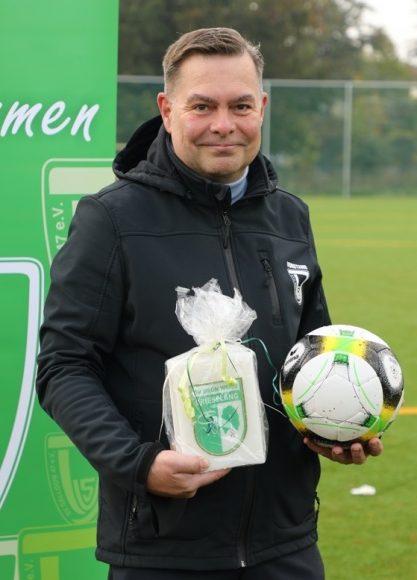 Tor! Tor! Tor! Fußballplatz vom  SV Dallgow e.V. erhält Kunstrasen!