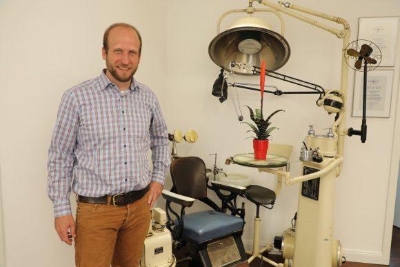Mund auf, bitte: Zahnarztpraxis Dr. Schmidt-Breitung ist umgezogen!