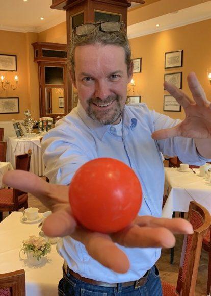 FALKENSEE.aktuell präsentiert: Oliver Grammel  zaubert im Kronprinz!