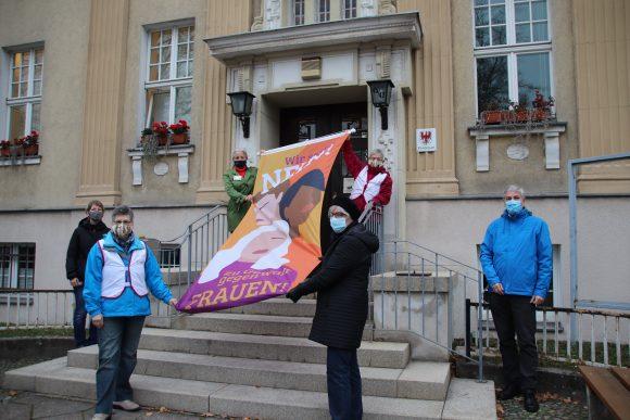 """""""Internationaler Tag gegen Gewalt an Frauen"""" – Gleichstellungsbeauftragte der Stadt Falkensee weist auf Informationsangebot hin"""