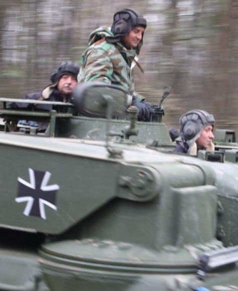 Rollender Panzer in der Döberitzer Heide – für den Naturschutz!