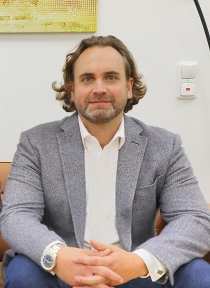 Im BusinessCenter: Drei Unternehmen bilden eine moderne Büroeinheit!