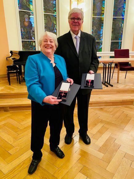 Mary und Dieter Boy aus Falkensee erhalten das Bundesverdienstkreuz