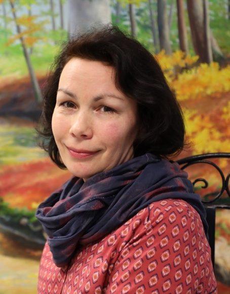 Kunst aus Falkensee: Anna Filimonova gibt die russische Maltechnik an Schüler weiter!
