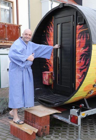 Die Corona-Sauna in Falkensee: Man muss im Corona-Lockdown nur  erfinderisch sein!