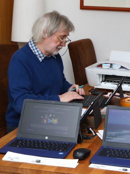 Falkenseer Seniorenbeirat organisiert Unterstützung beim Umgang mit digitalen Medien für ältere Mitbürger