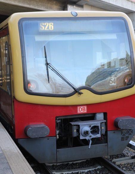 S-Bahn kommt nach Falkensee: Keine Regionalbahnanbindung zum Hallenbad möglich?