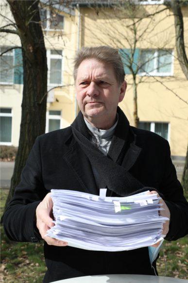 Weiße Fahne: Bürgermeister Bodo Oehme kapituliert vor Corona-Verordnungen!