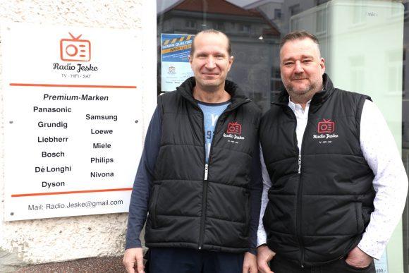 Nicht wegwerfen: Radio Jeske aus Falkensee repariert technische Geräte!