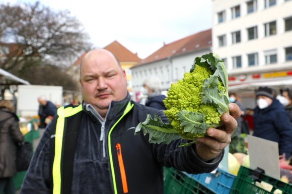 Vier Mal in der Woche – der Havelländische Land- & Bauernmarkt in der Altstadt Spandau!