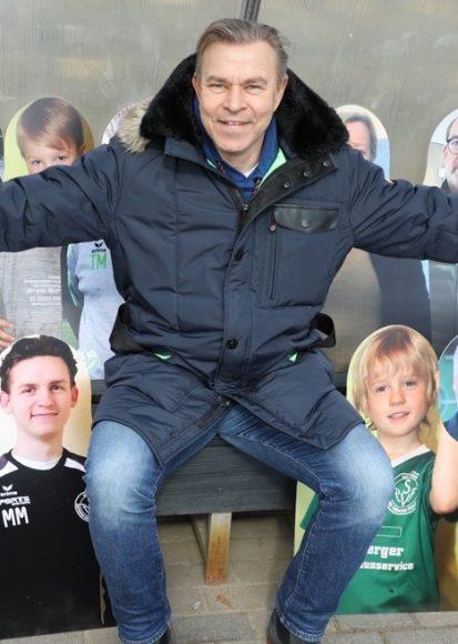 60 Pappkameraden ersetzen die echten Fans beim SVFF e.V. in Falkensee!