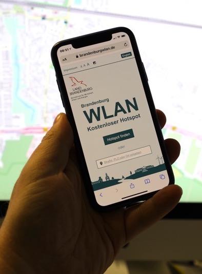 1.200 WLAN-Hotspots hat das Land Brandenburg aufgestellt: Aber kein kostenfreies WLAN in Falkensee!