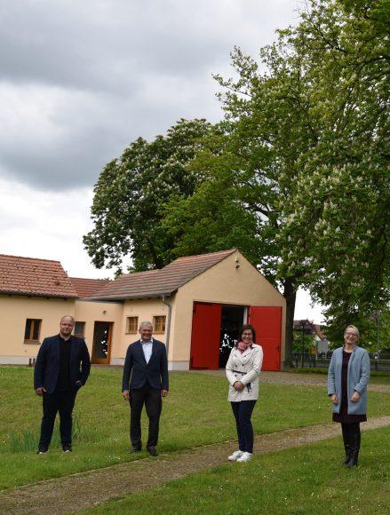 Fördermittel für die Neugestaltung des Parks und die Gestaltung der Fassade am Feuerwehrdepot in Ribbeck