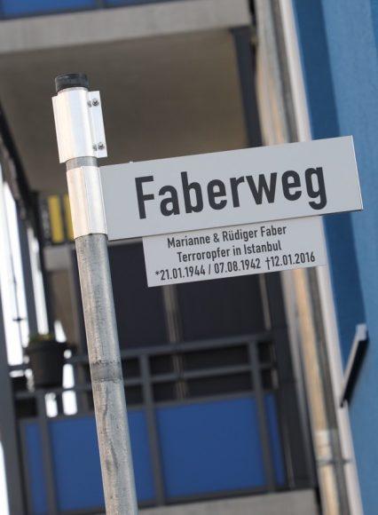 In Falkensee feierlich enthüllt: Der Faberweg gedenkt den Opfern eines Terroranschlags!