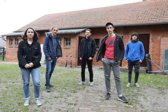 """Neue Räume für die Jugendlichen in Falkensee: """"Jugendforum"""" zieht in Nebengebäude am """"Haus am Anger""""!"""