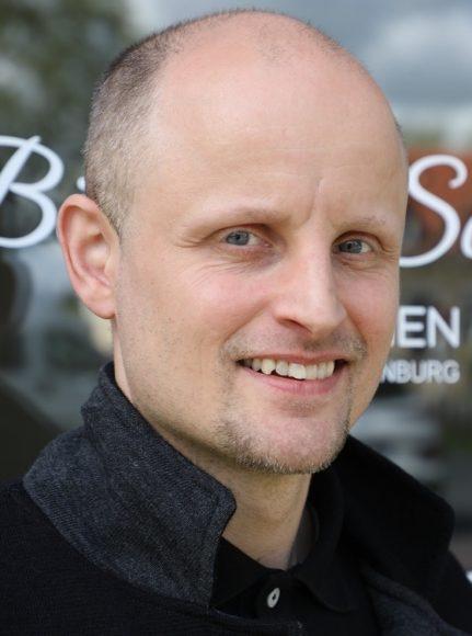 Schwarze Küche: Böttger & Scheffler Immobilien ziehen ins historische Encke-Eck!