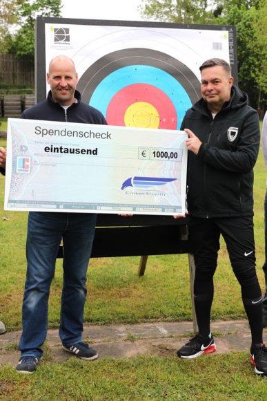 Immer ins Gold: 1.000 Euro für die Bogensport-Abteilung vom SV Dallgow 47!