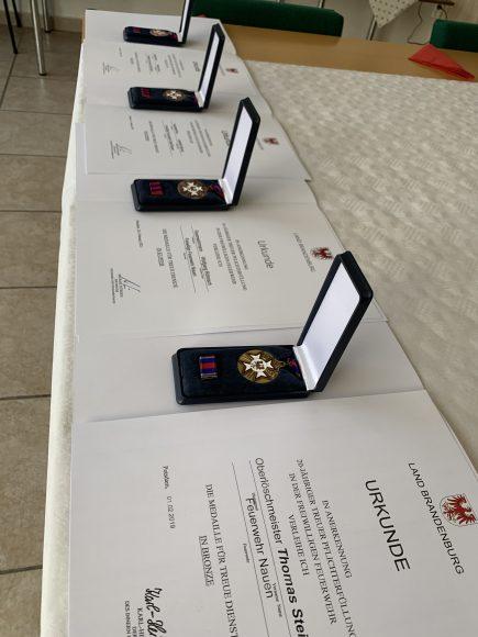 Auszeichnungen für verdienstreiche Mitglieder der Feuerwehr in Wachow