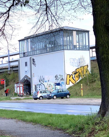 Am Bahnhof: Die Seegefelder Straße in Falkensee muss umgebaut werden!
