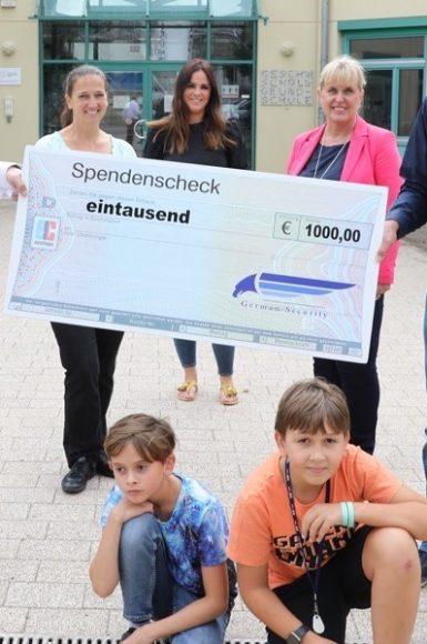 German Security und germanSITEC: Schüler der Falkenseer Geschwister-Scholl-Grundschule wünschten sich 1.000 Euro für  neue Sitzgruppen!