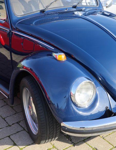 Rollende Käfer auf großer Ausfahrt: VW-Oldtimer-Freunde trafen sich in Ribbeck!