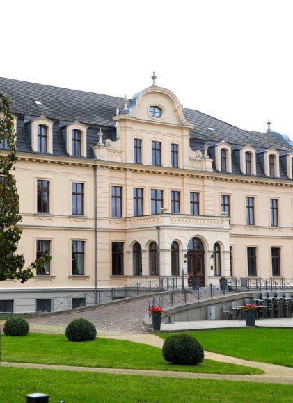 Beim Brunch: Regionaler geht es nicht – Die Wildsaison auf Schloss Ribbeck wurde am Tag der Deutschen Einheit eröffnet!